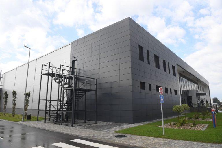 SWISS REGENT LIGHTING เปิดโรงงานในเซอร์เบีย